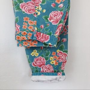 Vintage • 80s Floral High Waisted Jeans